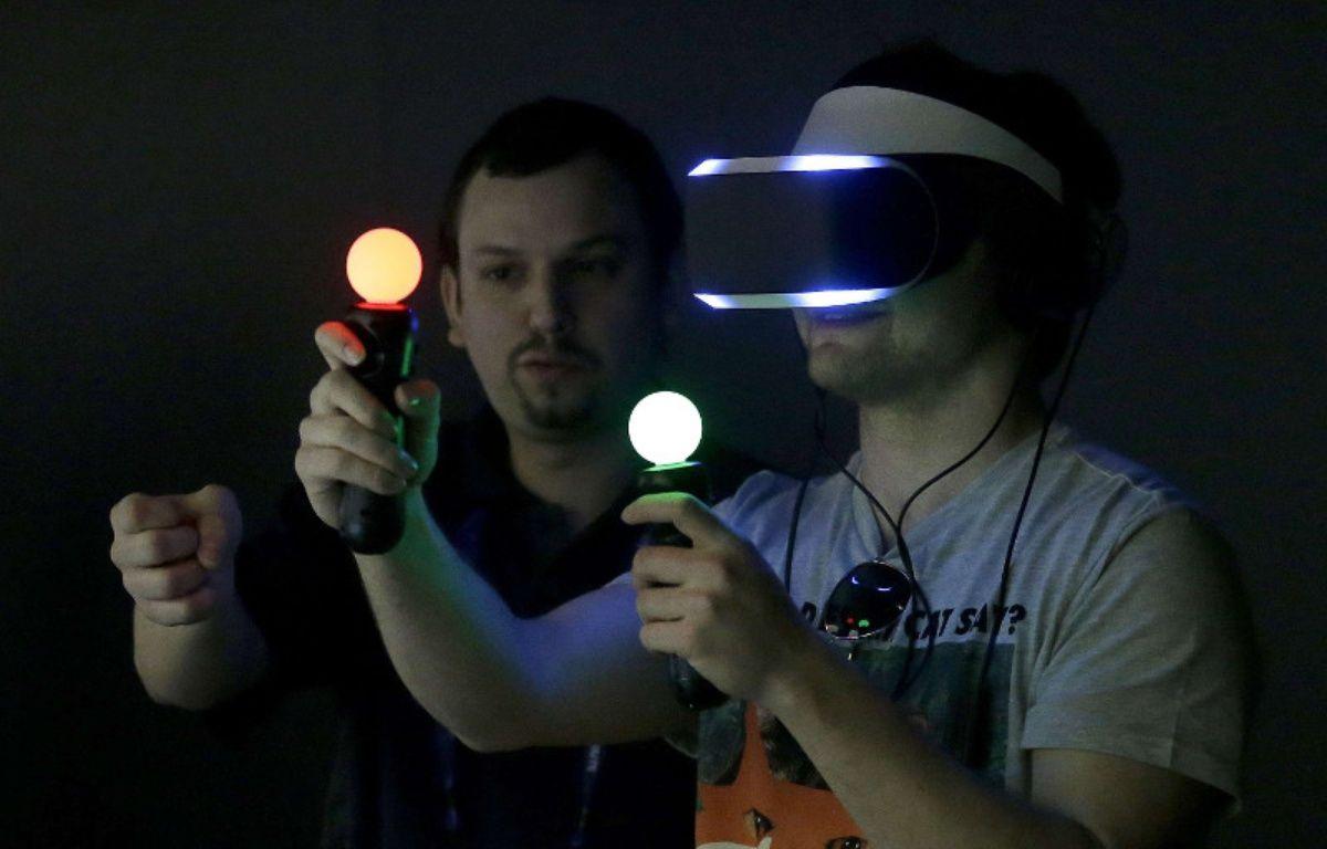 Le prototype de casque de réalité virtuelle de Sony, Project Morpheus. – J. CHIU/AP/SIPA