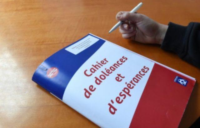 'GILETS JAUNES' Infos et commentaires, 17 janvier-15 mars 2019 640x410_cahier-doleances-esperance-peut-remplir-mairies-quartier-bordeaux