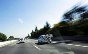 Un policier roumain a été intercepté lundi par la gendarmerie d'autoroute alors qu'il circulait depuis 20 kilomètres en contresens sur la bande d'arrêt d'urgence de l'A4.