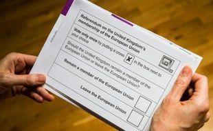 Un bulletin de vote britannique le 30 mai 2016 à Berlin