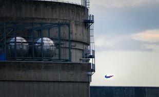 Un drone en forme de superman a survolé la centrale nucléaire du Bugey, dans l'Ain, près de Lyon, ce mardi matin.