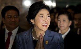 La Première ministre thaïlandaise Yingluck Shinawatra arrive à la Cour constitutionnelle à Bangkok le 6 mai 2014