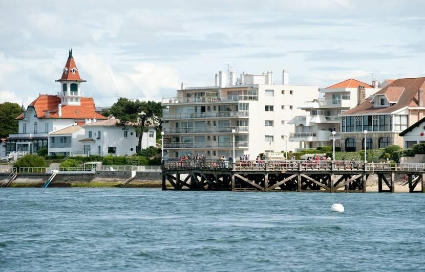 Une enquête ouverte après la découverte de ballots de drogue échoués sur les plages de la façade atlantique