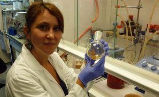 Aurélie Juhem dans son laboratoire.