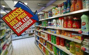 Les prix à la consommation en France ont diminué de 0,1% en janvier par rapport à décembre, et la hausse des prix en glissement sur un an s'est établie à 2,0%, a indiqué mardi l'Insee.