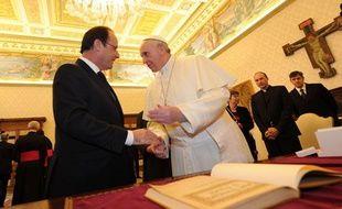 François Hollande et le pape François se sont rencontrés le 24 janvier 2014 au Vatican.