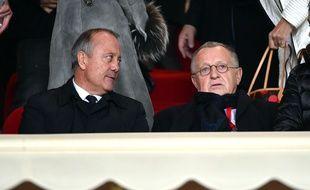 Jean-Michel Aulas, ici aux côtés de Bernard Lacombe lors du match Monaco-OL, en décembre dernier. BRUNO BEBERT