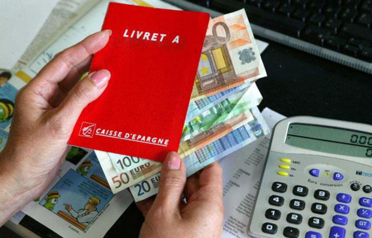 Face à la crise, les épargnants privilégient les livrets A au détriment des placements en action. – MEIGNEUX/SIPA