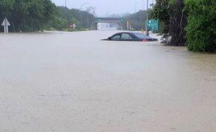 Six personnes sont mortes et des milliers ont dû être évacuées à Taïwan, après deux jours d'une tempête tropicale d'une sévérité extrêmement rare.
