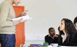 Au cours de sa carrière, un professeur sera affecté à des écoles et à des classes différentes.