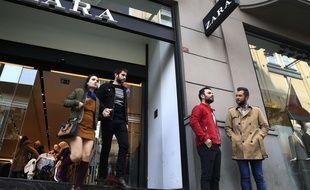 Devanture d'un magasin Zara à Istanbul en Turquie le 6 novembre 2017