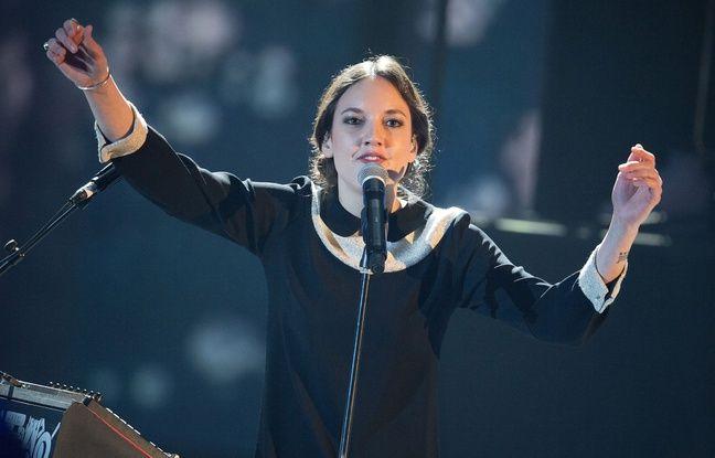 La chanteuse Jain lors des Victoires de la musique.