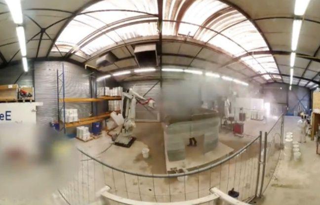 Il a fallu 20 heures à ce robot pour construire en impression 3D le pavillon implanté chez Dassault Systémes.