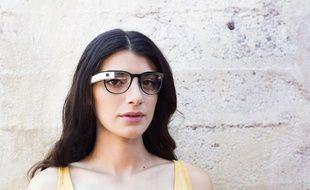 Google Glass propose désormais quatre montures pour lunettes de vue.