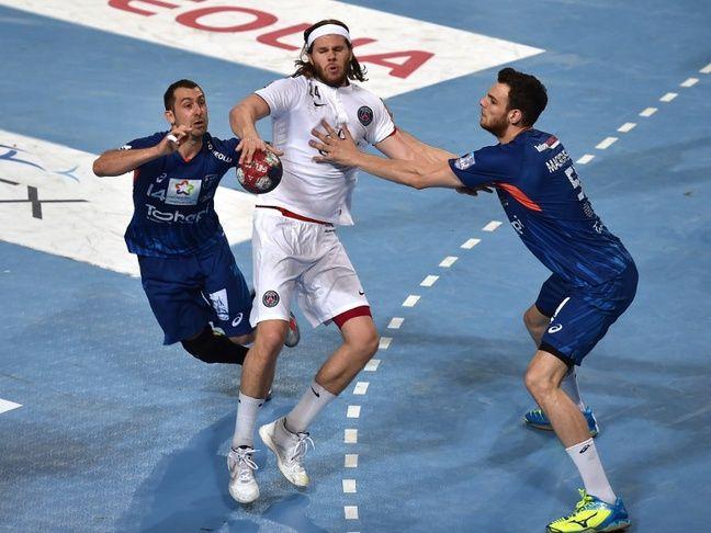 Ça, c'est Micka Guigou et Borut Mackovsek qui essayent de piquer le ballon à Mikkel Hansen lors d'un Montpellier-PSG en 2015.