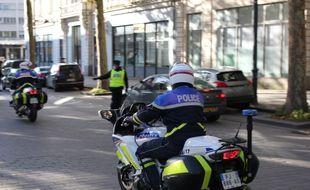 Un motard de la police ici lors d'un contrôle mené à Rennes.