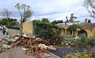 Des orages et une mini tornade ont fait d'importants dégâts à Arles.