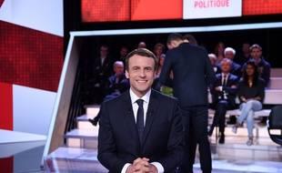 Emmanuel Macron sur le plateau de «L'émission politique», le 6  avril 2017.
