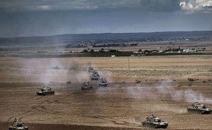 Patrouilles de l'armée turque à la frontière avec la Syrie le 29 septembre 2014.