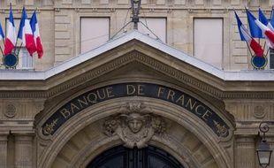 """Les salariés de la Banque de France ont observé mardi une grève nationale et manifesté devant leur siège à Paris, où un rapport d'expertise déplorant le manque d'""""ambition"""" d'un plan de restructuration de l'établissement était présenté devant le comité central d'entreprise (CCE) extraordinaire."""