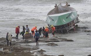 Le chavirage d'un bateau de la SNSM a fait trois morts vendredi aux Sables-d'Olonne.