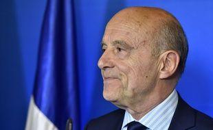 Le maire LR de Bordeaux appelle à voter pour Emmanuel Macron./ AFP PHOTO / GEORGES GOBET