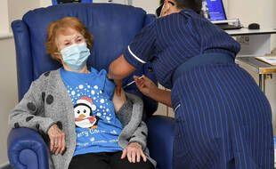 Margaret Keenan a reçu le vaccin de Pfizer et BioNTech le 8 décembre.