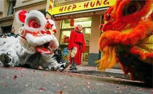 La danse des lions est effectuée afin de chasser les mauvais esprits.