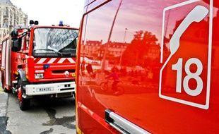 Illustration: Des camions de pompiers.