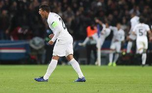 Le cri rageur de Thiago Silva après le but de Neymar contre Liverpool.