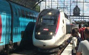 Le premier TGV a réalisé le trajet avec des voyageurs à son bord est arrivé en gare de Bordeaux Saint-Jean.