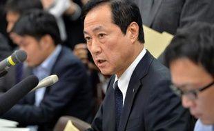 Le gendarme financier du Japon va contrôler les trois principales banques du pays après un scandale de prêts accordés par l'une d'entre elles, Mizuho, à des membres de la mafia nippone, a-t-on appris mardi de source officielle.