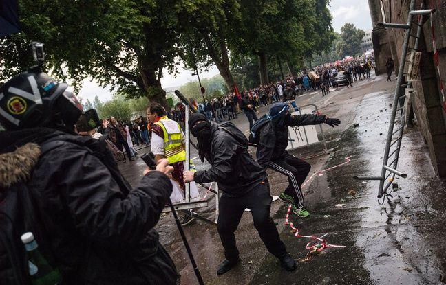 Nantes: Grosse mobilisation pour les soignants, des heurts devant la préfecture