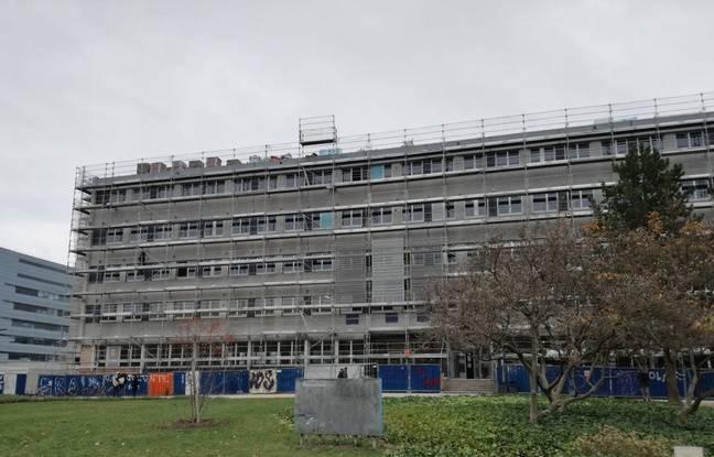 Au-dessus des panneaux en fibre de bois sera par ailleurs fixée une ossature en tôle perforée afin, notamment, de moduler la lumière, sur ce bâtiment modernisé du campus de Strasbourg.