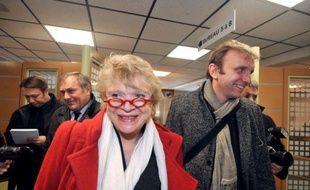 """Eva Joly, candidate d'EELV à la présidentielle, a affirmé jeudi à Nantes avoir du """"mépris"""" pour le populisme et l'électoralisme, expliquant sa faible position dans les sondages par """"une forme de repli sur soi"""" de la société."""