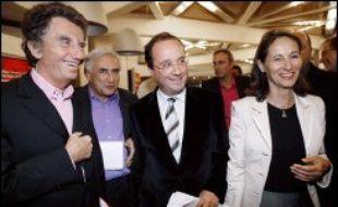 L'université d'été du Parti socialiste s'ouvre ce vendredi à La Rochelle sur fond de compétition acharnée entre les présidentiables dont la liste risque de s'allonger avec l'offre de service implicite de François Hollande et une éventuelle décision de Lionel Jospin.