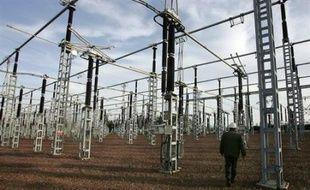 La France a battu un record de consommation d'électricité ce lundi avec un pic de 88.960 mégawatts à 19H00 (18H00 GMT), en raison de la vague de froid, a annoncé le Réseau de Transport d'Electricité (RTE) dans un communiqué.