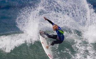 Kelly Slater, le champion du monde de surf ASP, en pleine action lors de la Rip Curl Pro Competition à Bells Beach, en Australie, le 27 mars 2008.