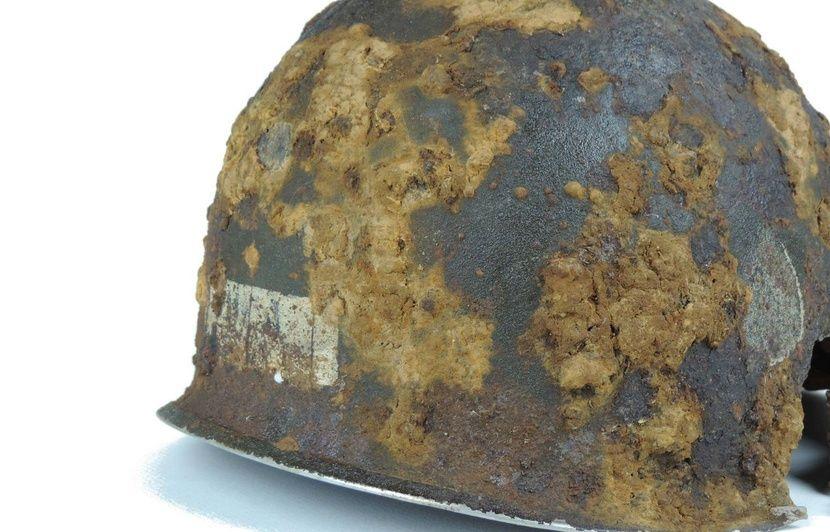Manche le casque dun parachutiste amricain de la seconde guerre manche le casque dun parachutiste amricain de la seconde guerre mondiale retrouv 74 ans aprs altavistaventures Choice Image