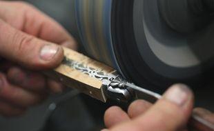 Le façonnage du couteau de Laguiole. (Illustration)