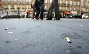 Du 1er octobre au 1er novembre, les 96 inspecteurs de salubrité ont dressé près de 350 procès-verbaux pour jets de mégots sur l'espace public.