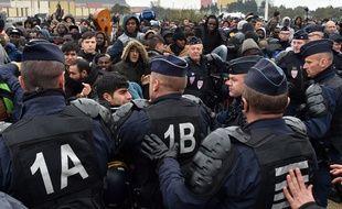 Ce 24 octobre 2016 lors du début du démantèlement de la jungle de Calais.