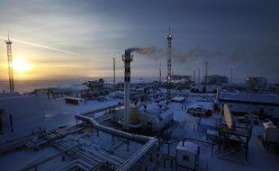 Des installations de gaz et de pétrole du géant Gazprom près de Nadym en Russie 18 février 2015