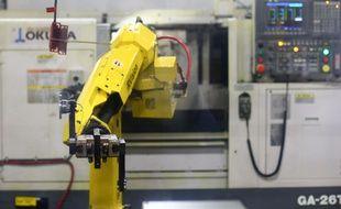 Un robot au travail dans l'entreprise Snavely's Machine & Manufacturing .