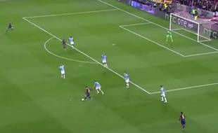 Lionel Messi délivre une passe décisive le 18 mars 2015 lors de Barça-City.