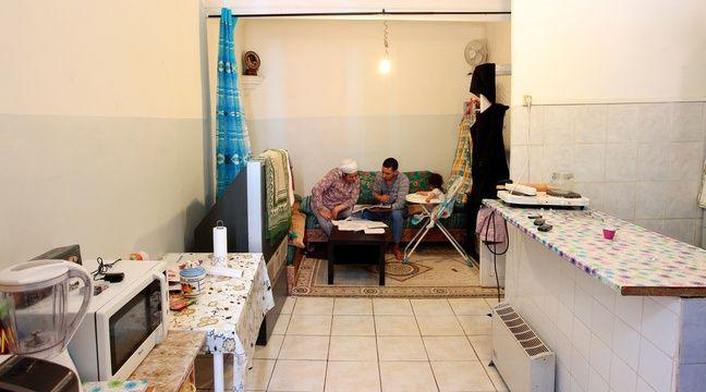 Marseille le 9 avril 2013 - Une famille vit dans un logement insalubre dans le centre ville et demande depuis 2007 à être relogée en vain – P.MAGNIEN / 20 MINUTES