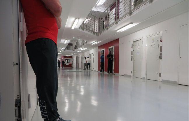 La journée, les détenus sont libres de leurs allées et venues dans l'étage qu'ils occupent au MH3.