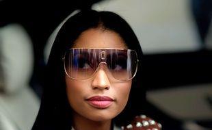 Nicki Minaj garde les scènes filmées sur le pont de Westminster dans son clip