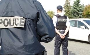 Lors d'un contrôle de police, mardi 11 octobre, sur la rocade Arc-en-Ciel, à Toulouse.