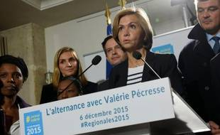 Valérie Pécresse fait un discours au soir du premier tour le 6 décembre à Paris